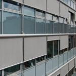 runde Fassadenmarkisen mit Hülsen